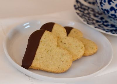Chocolate-Dipped Pistachio Shortbread Hearts ♥