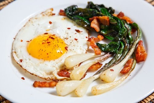 fried eggs with ramps and bacon - http://www.closetcooking.com/2011/05 ...