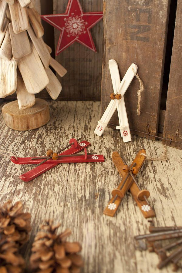Nodic skis tree decoration christmas pinterest for Ski decorations for home