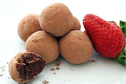Balsamic Strawberry Truffles | Yum! | Pinterest