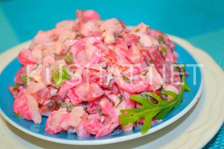 Салат из печени и соленых огурцов и яиц