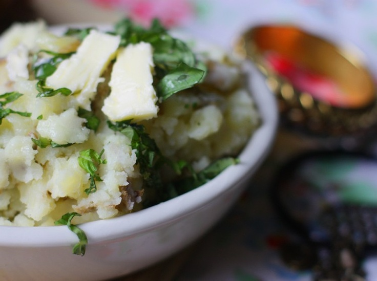 Skinny Mashed potatoes with roasted garlic and low fat buttermilk ...