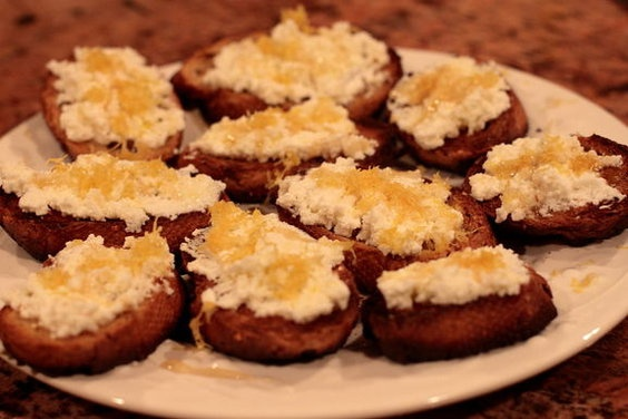 ... lemon juice and lemon zest bruschetta with ricotta honey and lemon
