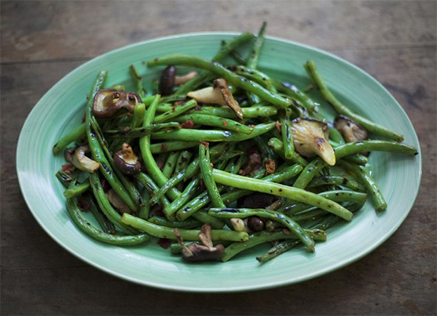 Green Beans With Creamy Mushrooms And Shallots Recipe — Dishmaps