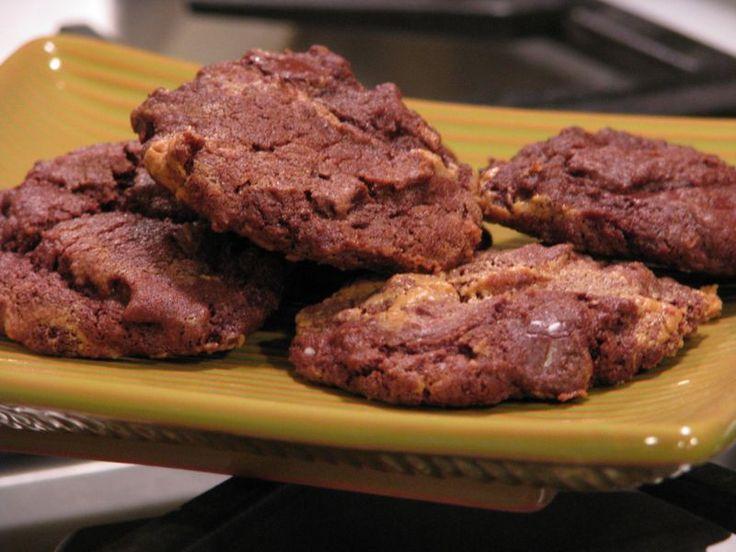 Chocolate Chunk Peanut Butter Swirl Fudge Cookies @ friendsfoodfamily ...