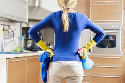 Learn to clean your house like a professional! There is an order that makes things much faster and more efficient... check it out! I also hope to some day be as organized as she is!