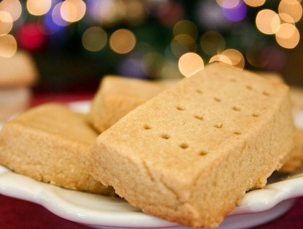 Brown Sugar Shortbread #Christmas #GermanChristmasStore #Xmas