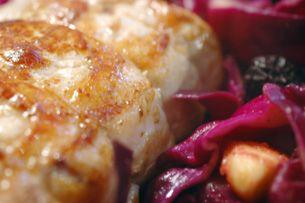 ... , Pommes et Pruneaux - Pork Roast / Spiced Red Cabbage Apples Prunes