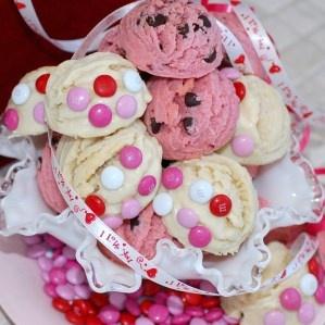 VALENTINES DAY SHORTBREAD COOKIES | Valentines Day | Pinterest