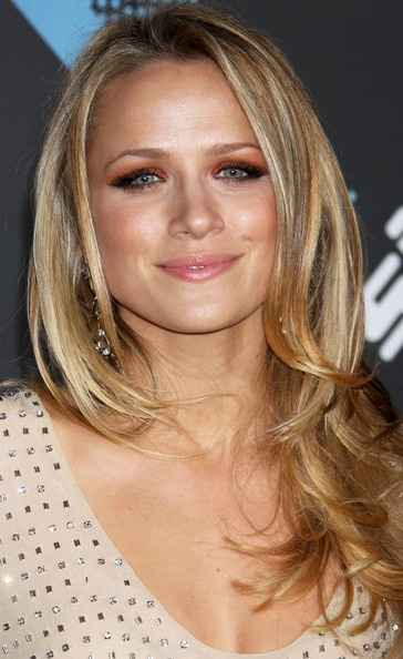 Shantel VanSanten  Love this hair look  almost looks like a reverse    Shantel Vansanten Hair