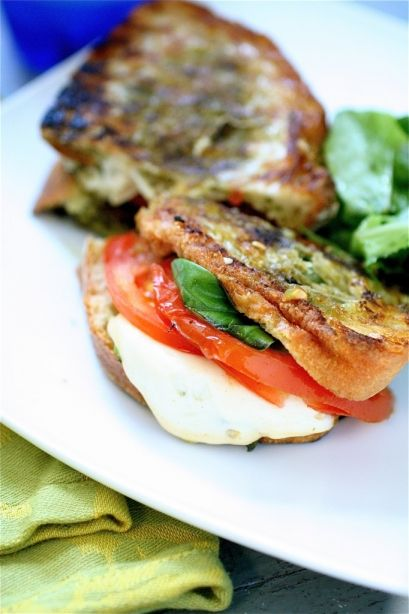 grilled mozzarella and pesto sandwich | Sammiches: Sandwiches with At ...