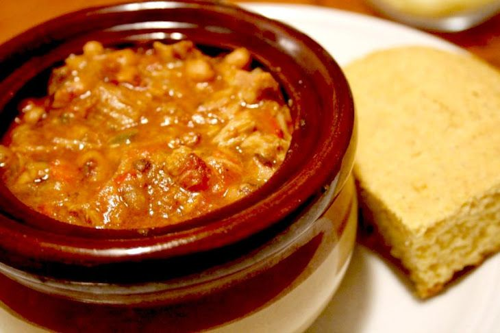 Slow Cooker Chili Recipe Main Dishes with ground beef, yellow onion ...