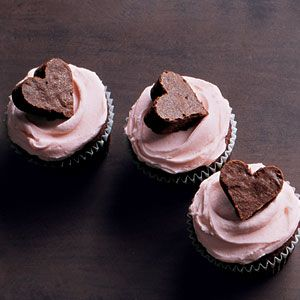 ... Basic Buttercream Recipe - Cupcake Frosting Recipe - Delish.com
