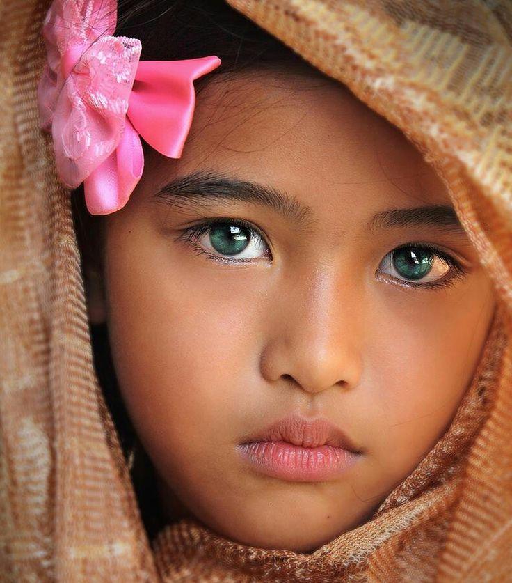 Tondo.Girl.original.9638.jpg - Thousand Wonders