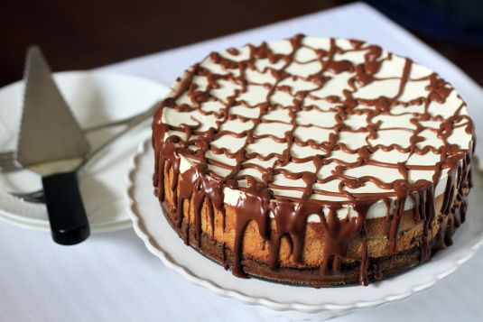 Kahlua Cheesecake: graham cracker crust with ganache layer followed by ...