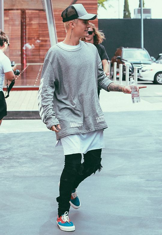 17 Justin Bieber Swag Outfits to Copy for Swag Look photo