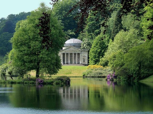 The Temple Of Apollo Stourhead Garden Oh The Places