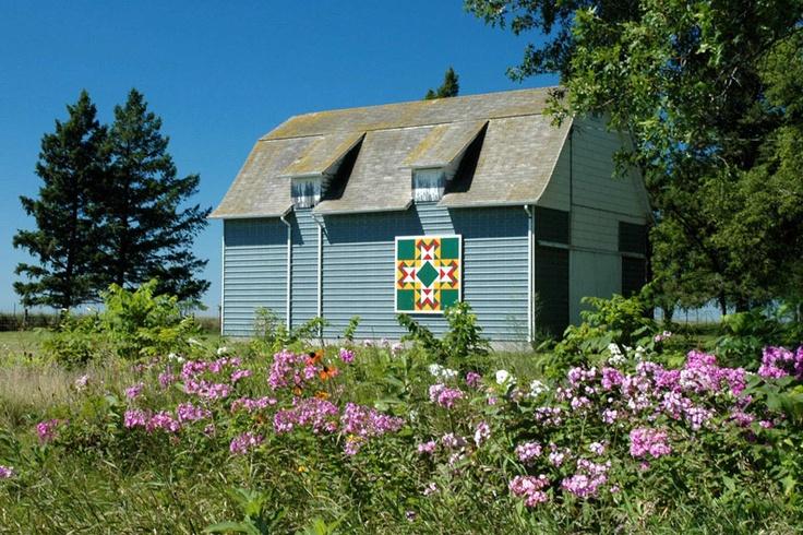 Pretty little barn quilt in Iowa
