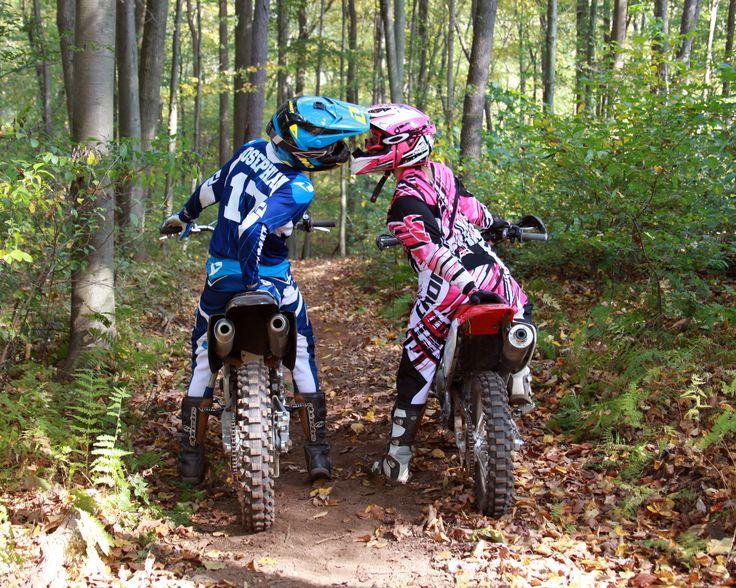 Helmet kiss. Dirt bike couple photography. Motocross love www.erinlynphotography.com