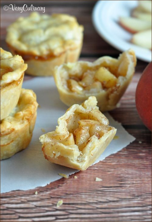 Easy Mini Peach Pies - the perfect use for summer peaches! #pie #mini