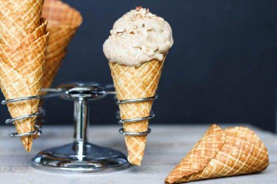 Salted Almond Ice Cream {no-churn} | non-dairy ice creams | Pinterest