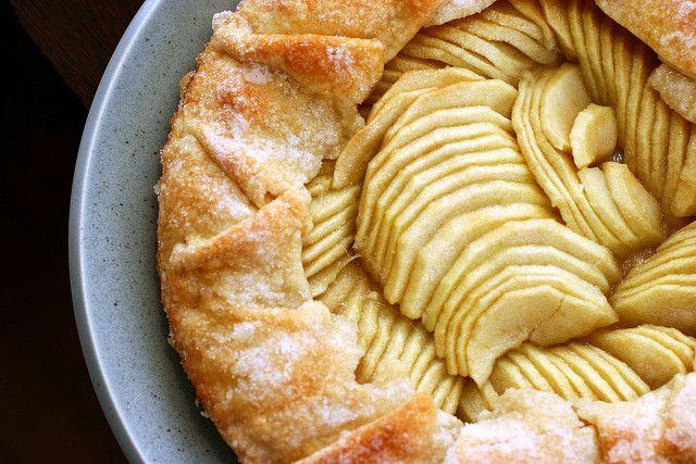 simplest apple tart | smitten kitchen | The Knave of Tarts | Pinterest