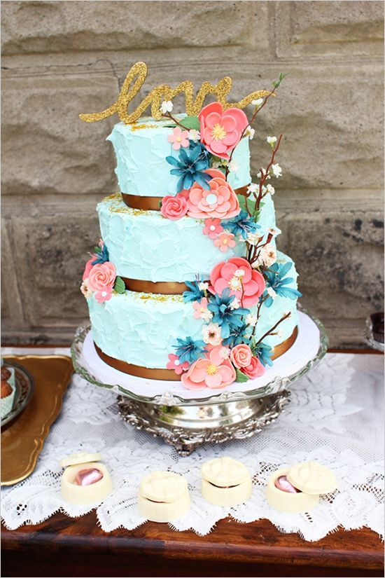 blue wedding cake http://www.weddingchicks.com/2013/09/13/mint-and-gold-wedding-ideas/