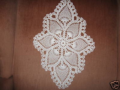 Oval pineapple stitch crochet doily. Crochet Doilies Pinterest