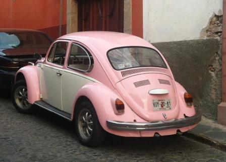 Whats in my PINK Car!!