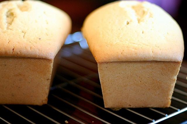 vanilla bean pound cake | Food for Foodies | Pinterest
