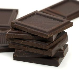 Dark Chocolate  Just a small portion of this antioxidant-filled treat satisfies a sweet tooth.