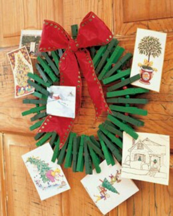 Clothespin wreath to hold xmas cards j lin the for Christmas card holder craft project