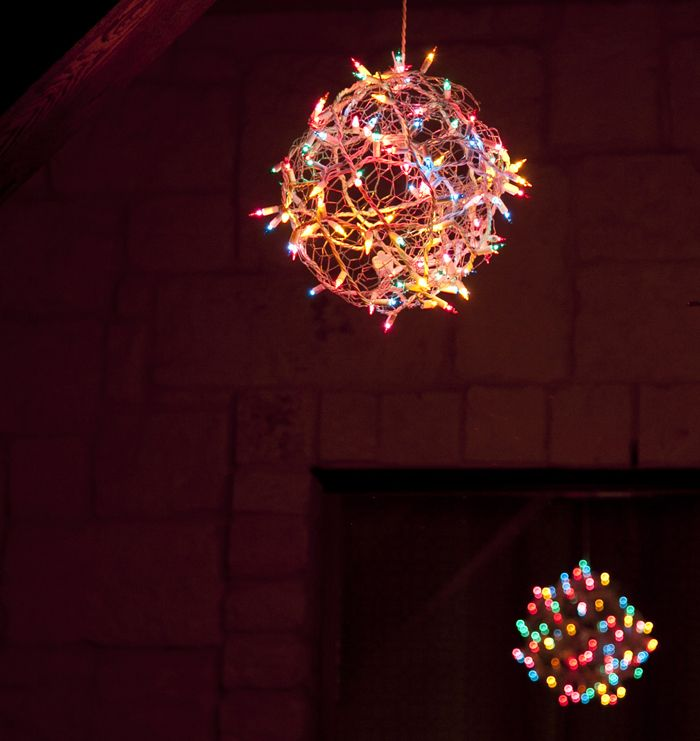 DIY Christmas Light Orbs - I want to make a few of these to hang from ...