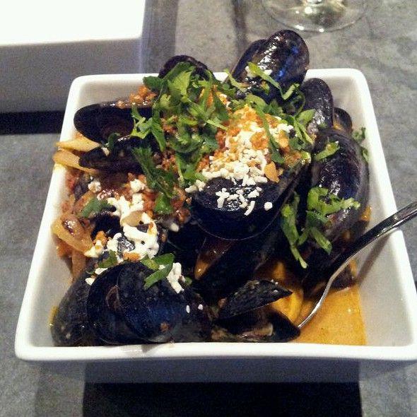 Thai Red Curry Mussels @ Masa 14, Washington D.C. www.reservedinc.com