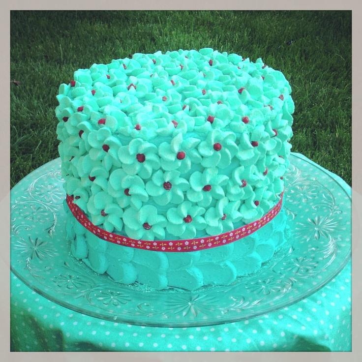 Aqua and red cake. Meringue drop flowers. Divine buttercream icing ...