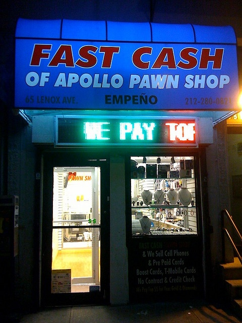 how to get a job at a pawn shop