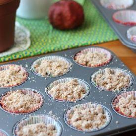 blackberry crumb muffins