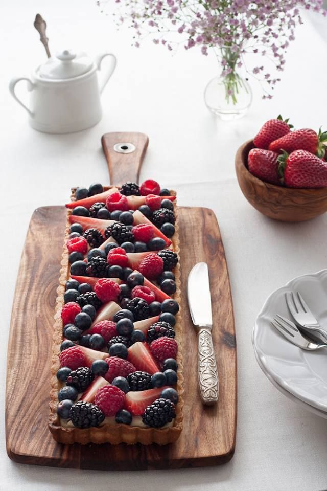 Strawberry & Blueberry tart   Foodelicious   Pinterest
