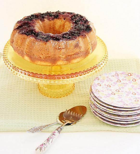 Blackberry Buttermilk Bundt Cake | Food & booze & Party Ideas | Pinte...