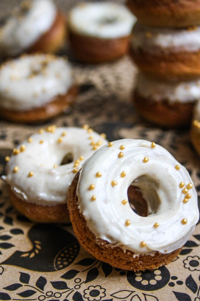 Gingerbread mini-donuts with white chocolate cinnamon icing
