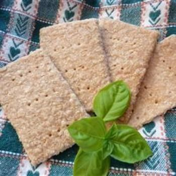 Oatmeal Crackers Ingredients 1 1/2 cups rolled oats 1 cup whole wheat ...