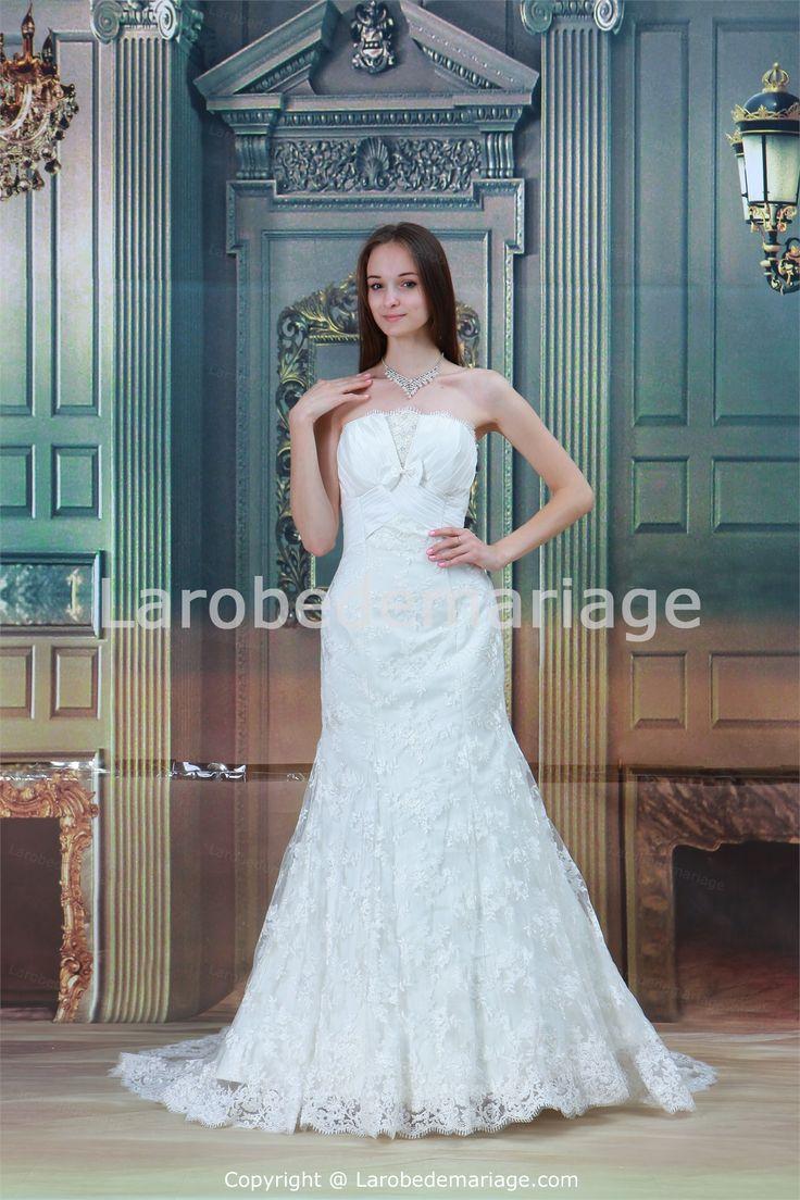 Robe de mariée sirène en satin et dentelle sans bretelles