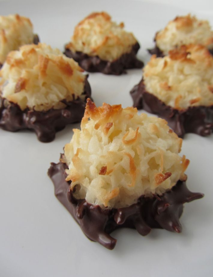 Chocolate Dipped Coconut Macaroons After cooking it for 15 minutes I ...