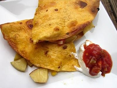 Apple Chicken Quesadillas | Chicken Dishes | Pinterest