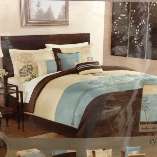 want this!!!!! Totally jay and my colors!!!! Bed bath and beyond