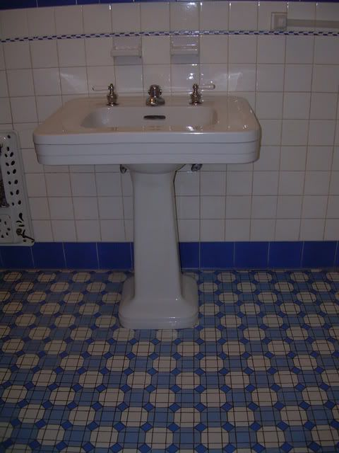 Pin by melody beaman on vintage bathroom pinterest for Bathroom designs 1940s