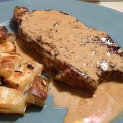 Filet Mignons With Pepper Cream Sauce | Meat me here | Pinterest
