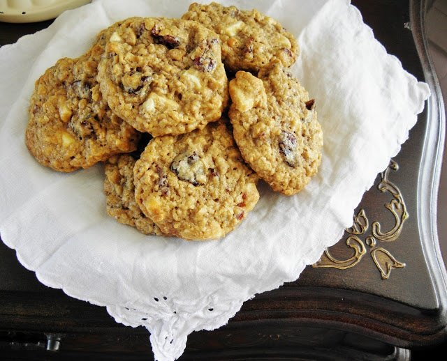 Chewy White Chocolate Chunk-Cherry Oatmeal Cookies -- I would use ...