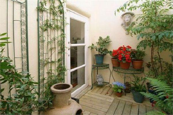 natural summer apartment patio furniture  How To Transform An Apartm ...