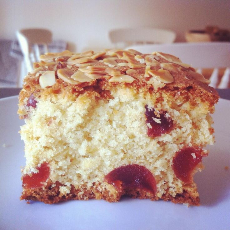 Cherry and Almond Cake | Mad about Baking | Pinterest